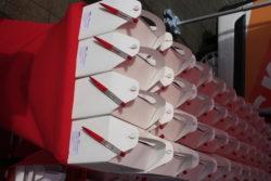Die Lunchboxen, die wir an alle Gäste verteilt haben, bevor die Fahrt los ging.
